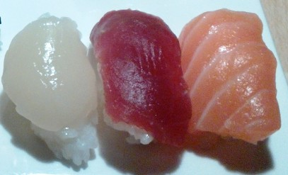 Nigiri sushis - Noix de St Jacques / Thon / Saumon