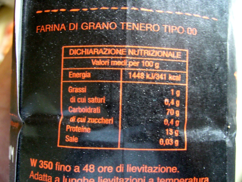 La fiche nutritionnelle indiquant le taux de protéines (13%) et la force boulangère (W350)