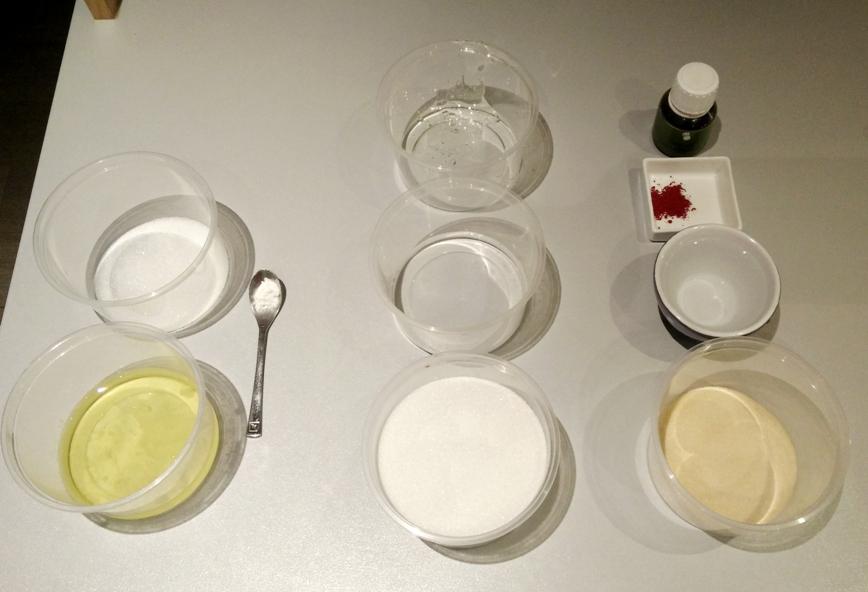 Tous les ingrédients, chaque colonne pour une phase différente